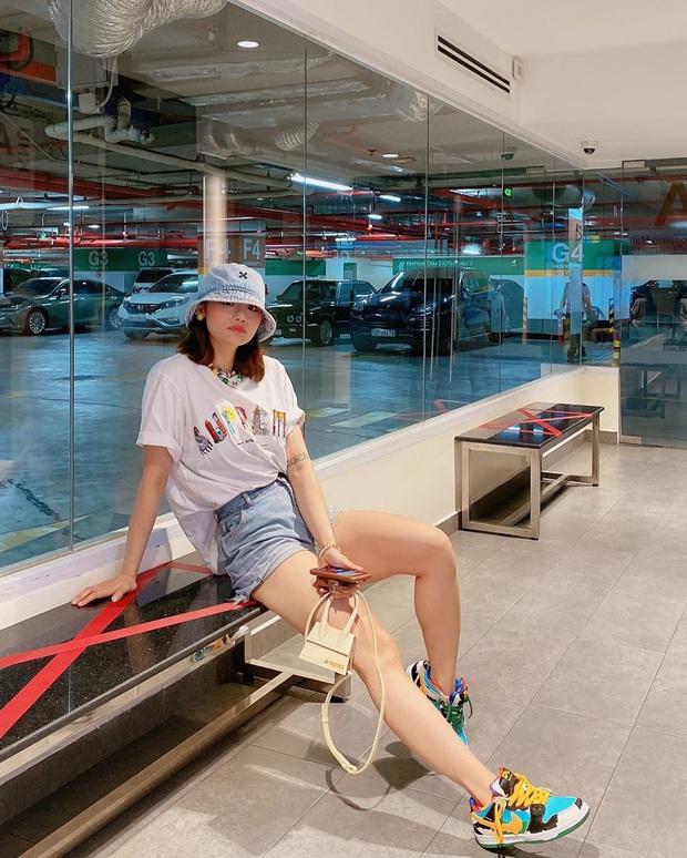 OOTD sao Việt hot nhất Instagram tuần qua: Ai cũng bật mood mặc kín, mình Jun Vũ khoe vòng 1 phồn thực  - Ảnh 3.