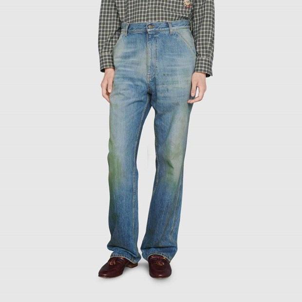 Gucci khiến dân tình cười xỉu khi ra mắt quần jeans phong cách xòe xe trời mưa giá 18 triệu - Ảnh 2.