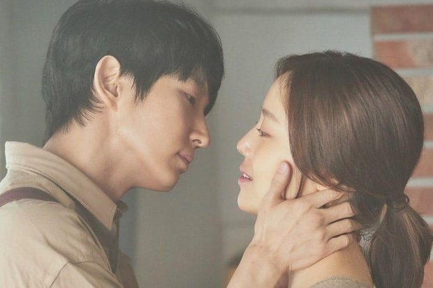 Flower Of Evil nhá hàng ảnh cưới đẹp như mơ của Lee Jun Ki - Moon Chae Won - Ảnh 6.