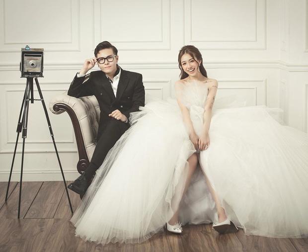 Con gái Minh Nhựa hé lộ ảnh cưới nhân kỷ niệm 1 năm lên xe hoa, ngắm 3 bộ váy mà trầm trồ - Ảnh 2.