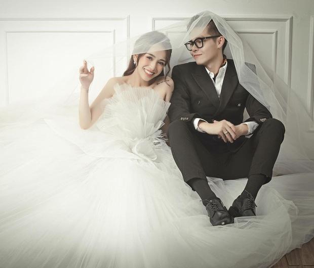 Con gái Minh Nhựa hé lộ ảnh cưới nhân kỷ niệm 1 năm lên xe hoa, ngắm 3 bộ váy mà trầm trồ - Ảnh 3.