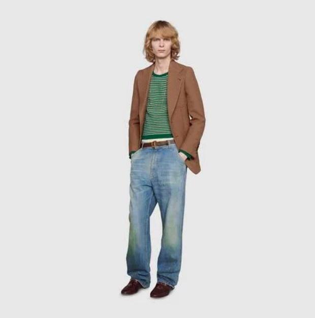 Gucci khiến dân tình cười xỉu khi ra mắt quần jeans phong cách xòe xe trời mưa giá 18 triệu - Ảnh 4.
