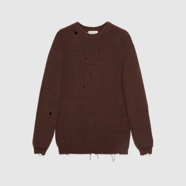 Gucci khiến dân tình cười xỉu khi ra mắt quần jeans phong cách xòe xe trời mưa giá 18 triệu - Ảnh 5.
