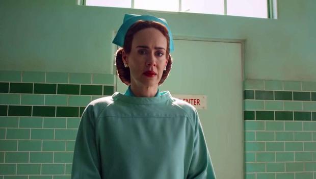 Đến khiếp với Ratched: Nữ y tá lươn lẹo nhất hệ mặt trời, đẹp người thối nết lại còn nghiện xiên que bệnh nhân - Ảnh 4.