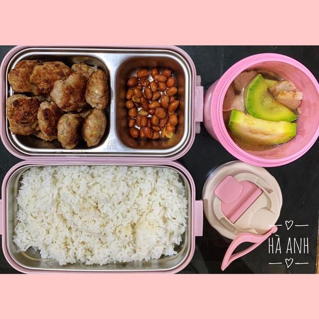 Cô nàng chuẩn bị cơm hộp mỗi ngày để ăn cùng đồng nghiệp nam, chồng không ghen mà còn phụ một tay - Ảnh 2.