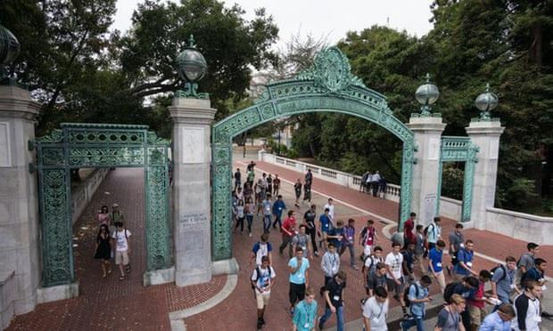 """Hệ thống Đại học California đã nhận ít nhất 64 sinh viên """"được lo lót trong 7 năm qua - Ảnh 1."""