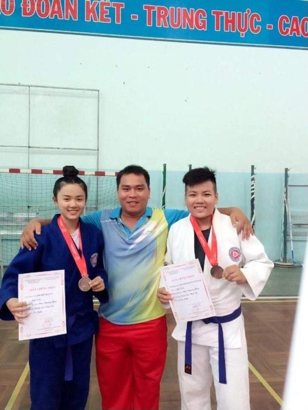 VĐV Judo thi Hoa hậu Việt Nam 2020: Cô giáo có kinh nghiệm học võ 10 năm, diện mạo lộng lẫy bất ngờ sau khi lên đồ - Ảnh 5.