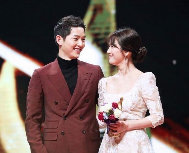 Song Joong Ki gây bất ngờ với phản ứng trong ngày sinh nhật, giữa lúc dân tình xôn xao về bài đăng của vợ cũ Song Hye Kyo - Ảnh 5.