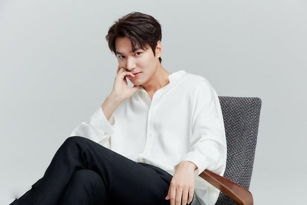 """Cẩn tắc vô áy náy như Lee Min Ho: Đi """"nhậu"""" cũng nghĩ ra cách che chắn cực lầy - Ảnh 4."""