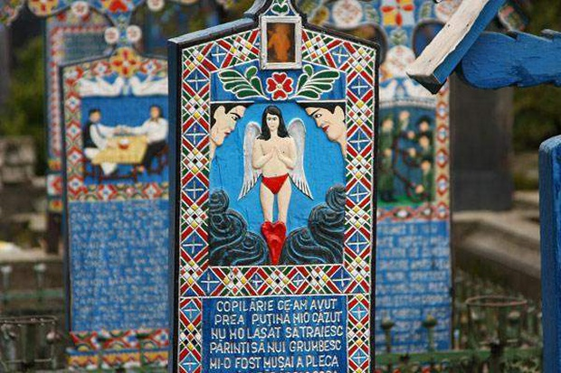 Ngôi làng Rumani có truyền thống khắc thơ tục tĩu và cợt nhả lên bia mộ người đã khuất - Ảnh 12.