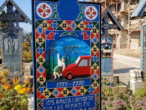 Ngôi làng Rumani có truyền thống khắc thơ tục tĩu và cợt nhả lên bia mộ người đã khuất - Ảnh 9.