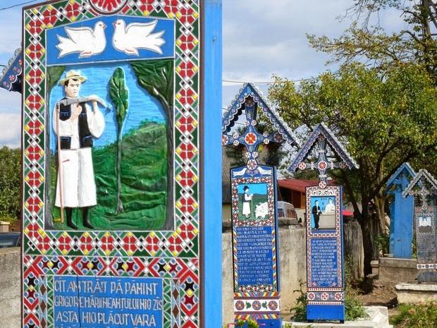 Ngôi làng Rumani có truyền thống khắc thơ tục tĩu và cợt nhả lên bia mộ người đã khuất - Ảnh 4.