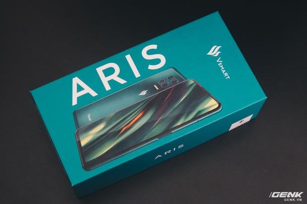Chi tiết Vsmart Aris giá 7,5 triệu: Mặt lưng kính nhám, hiệu năng ổn, chỉ tiếc màn hình giọt nước - Ảnh 2.