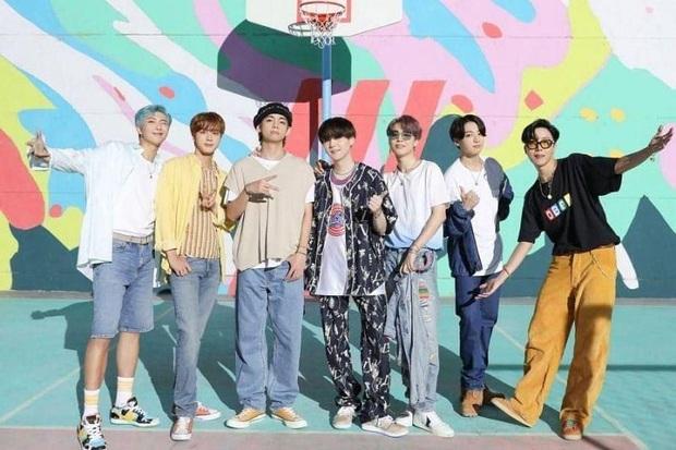 Nhóm nhạc BTS hợp tác cùng Epic Games, mang vũ đạo bản hit Dynamite vào Fortnite - Ảnh 4.