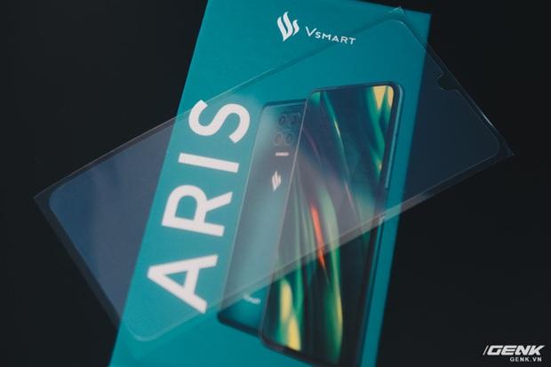 Chi tiết Vsmart Aris giá 7,5 triệu: Mặt lưng kính nhám, hiệu năng ổn, chỉ tiếc màn hình giọt nước - Ảnh 3.