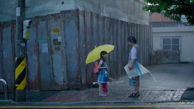 Phỏng vấn bố bé Nayoung trước thời điểm kẻ ấu dâm gây ám ảnh Hàn Quốc được trả tự do: Con gái tôi vẫn luôn phải mặc tã, không dám xem TV - Ảnh 4.