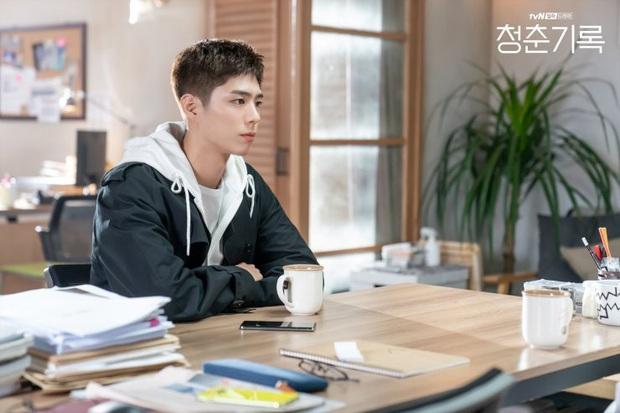 Record of Youth tập 6 vẫn nhạt thếch trừ màn chốt đơn lia lịa bằng môi của Park Bo Gum - Ảnh 10.