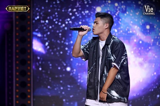 Thi đấu vòng đối đầu đầy ấn tượng tại Rap Việt, điều gì giúp team Karik làm nên chiến thắng tạm thời này? - Ảnh 4.