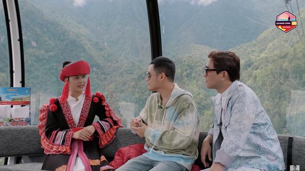 Đến Sapa nhưng chỉ mải mê đi... shopping, Hứa Vĩ Văn và Quang Vinh rinh về toàn quần áo thổ cẩm - Ảnh 2.