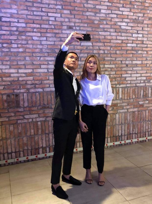 Bức ảnh hot nhất hôm nay: Wowy hào hứng selfie với Mỹ Tâm, số tuổi chênh nhau của cả 2 khiến dân tình ngỡ ngàng! - Ảnh 3.