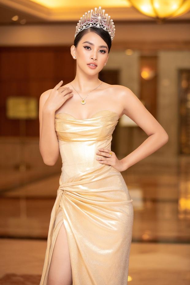 """""""Quân đoàn"""" Hoa hậu Á hậu lộng lẫy đổ bộ thảm đỏ họp báo HHVN 2020, Tiểu Vy đội vương miện 3 tỉ chiếm trọn spotlight - Ảnh 4."""