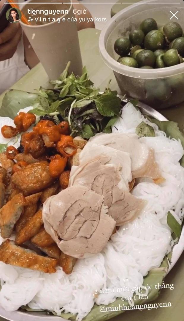 """Đến Hà Nội, Tiên Nguyễn """"dành hết tâm tư"""" cho việc ăn uống, còn khoe bữa ăn khuya đảm bảo ai nhìn cũng không thể cưỡng lại - Ảnh 3."""