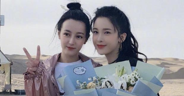 Tranh cãi trên Weibo: Địch Lệ Nhiệt Ba lép vế trước bạn gái tin đồn vô danh của Hồ Nhất Thiên khi chụp ảnh chung? - Ảnh 3.