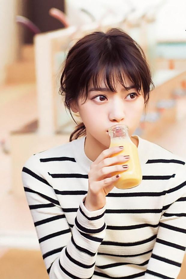 4 loại nước không nên uống khi bụng đói vào buổi sáng, chúng có thể ăn mòn thận của bạn - Ảnh 3.