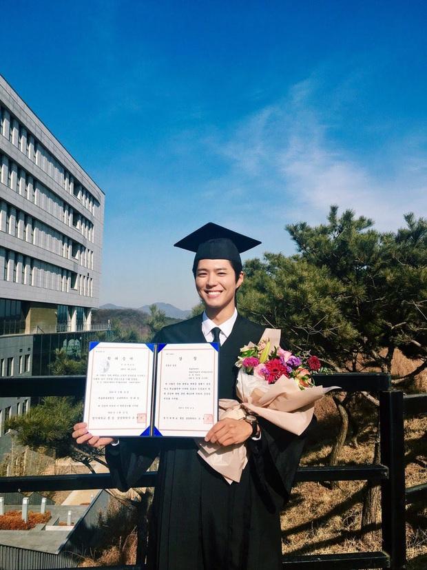Park Bo Gum khoe ảnh tốt nghiệp như nam thần, nhưng đáng nể hơn là quá trình để lấy được tấm bằng - Ảnh 3.