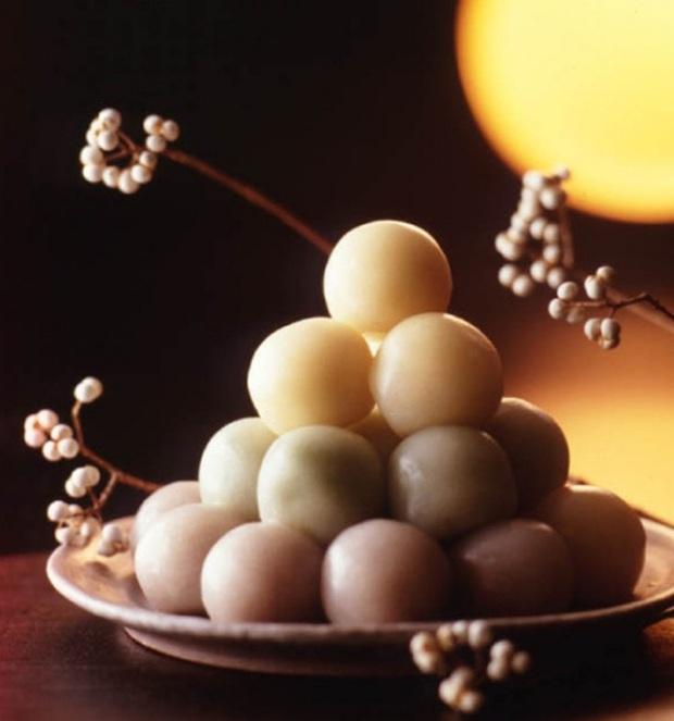 Bóc giá nhanh bánh Trung thu truyền thống của các nước châu Á, bánh Việt Nam tính ra còn rẻ chán - Ảnh 1.
