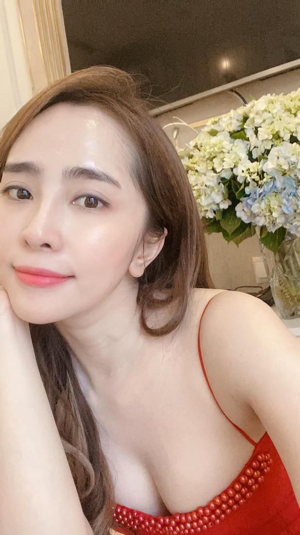 Tài khoản giả bám fame Quỳnh Nga quảng cáo đồ skincare nhưng chính chủ vẫn thở phào nhẹ nhõm vì lý do rất nhân văn - Ảnh 2.
