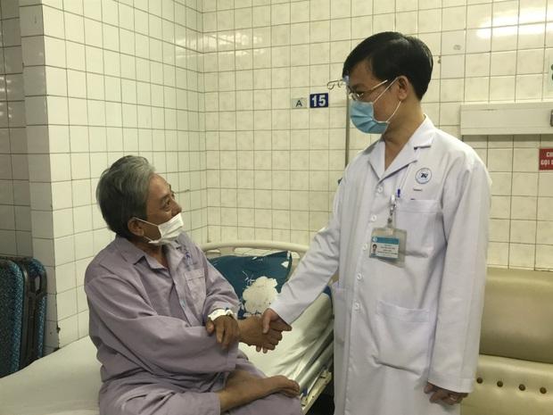 Cứu sống kịp thời một bệnh nhân đã chết lâm sàng 15 phút - Ảnh 1.