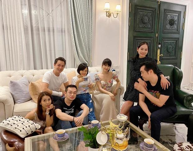 Dương Khắc Linh - Sara Lưu tụ họp tại biệt thự triệu đô của vợ chồng Đăng Khôi, sáng nhất nhan sắc gái 2 con Thuỷ Anh - Ảnh 3.