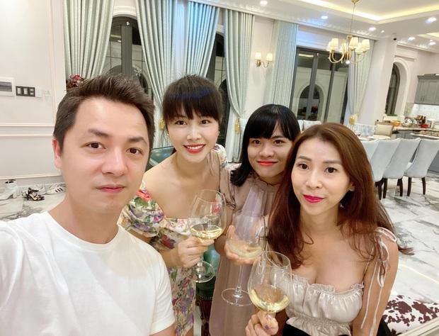 Dương Khắc Linh - Sara Lưu tụ họp tại biệt thự triệu đô của vợ chồng Đăng Khôi, sáng nhất nhan sắc gái 2 con Thuỷ Anh - Ảnh 5.
