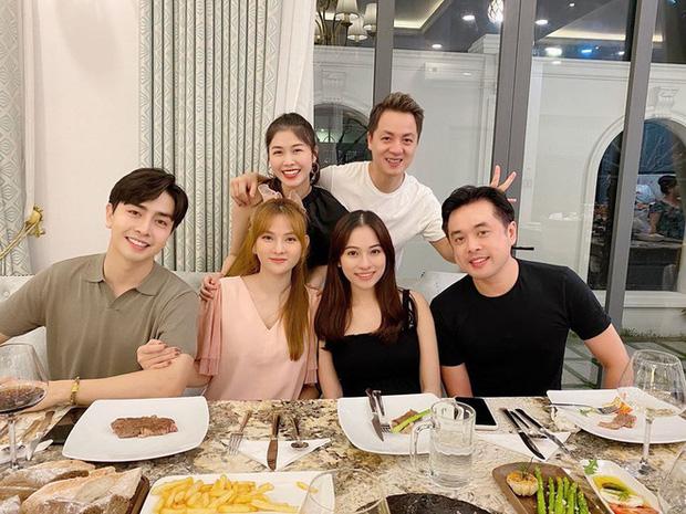 Dương Khắc Linh - Sara Lưu tụ họp tại biệt thự triệu đô của vợ chồng Đăng Khôi, sáng nhất nhan sắc gái 2 con Thuỷ Anh - Ảnh 7.