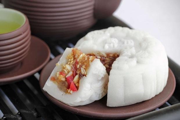 Bóc giá nhanh bánh Trung thu truyền thống của các nước châu Á, bánh Việt Nam tính ra còn rẻ chán - Ảnh 8.