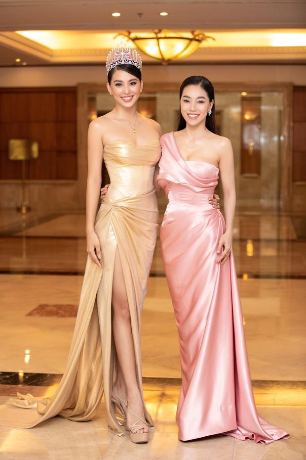 """""""Quân đoàn"""" Hoa hậu Á hậu lộng lẫy đổ bộ thảm đỏ họp báo HHVN 2020, Tiểu Vy đội vương miện 3 tỉ chiếm trọn spotlight - Ảnh 20."""