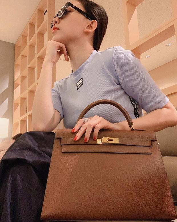 Tóc Tiên bán gần hết túi xách đắt đỏ, tủ đồ giờ chưa đầy 2 ngăn và quan điểm dùng đồ hiệu nghe là thấy nể - Ảnh 1.
