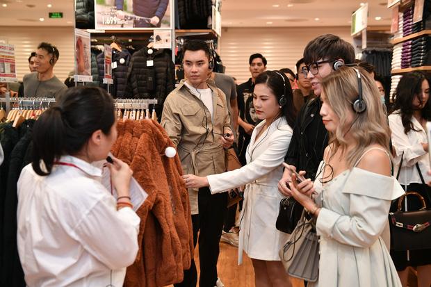 Mẫn Tiên công khai đi cùng bạn trai, Miss Au Ngọc Anh và dàn KOL tụ hội tại buổi ra mắt cửa hàng UNIQLO thứ 2 tại Hà Nội - Ảnh 12.