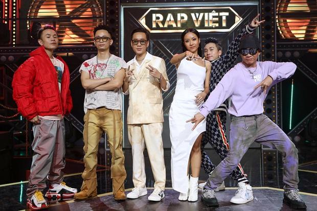 Sau 3 lần chụp ảnh đúng 1 dáng, Binz cuối cùng đã thay đổi trong tập 9 Rap Việt! - Ảnh 2.