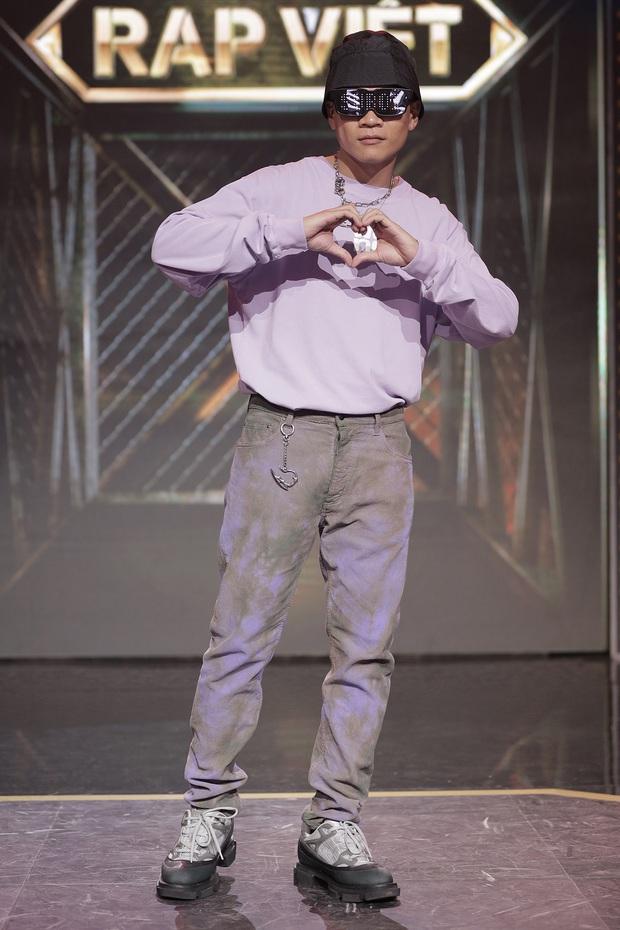 Sau 3 lần chụp ảnh đúng 1 dáng, Binz cuối cùng đã thay đổi trong tập 9 Rap Việt! - Ảnh 11.