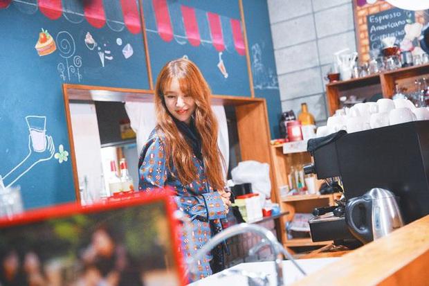 Dàn sao Coffee Prince bồi hồi ngày tái hợp, Yoon Eun Hye sốc nặng vì Gong Yoo như thể ăn thịt Đường Tăng - Ảnh 4.