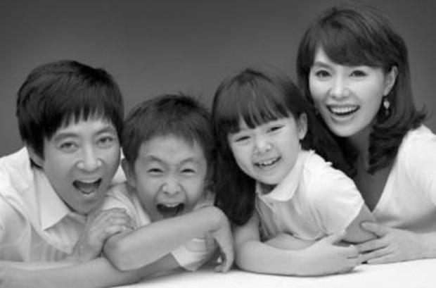 Choi Soo Jong lên top 1 Dispatch chỉ nhờ khoe ảnh bên con gái, nhan sắc ái nữ nhà tài tử Mối Tình Đầu khiến fan dậy sóng - Ảnh 7.
