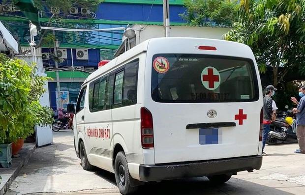 Gia cảnh đáng thương của nạn nhân bị cây xanh đè tử vong ở Sài Gòn: 2 vợ chồng cùng thất nghiệp do Covid-19, đứa con đầu chưa đầy 4 tuổi - Ảnh 1.