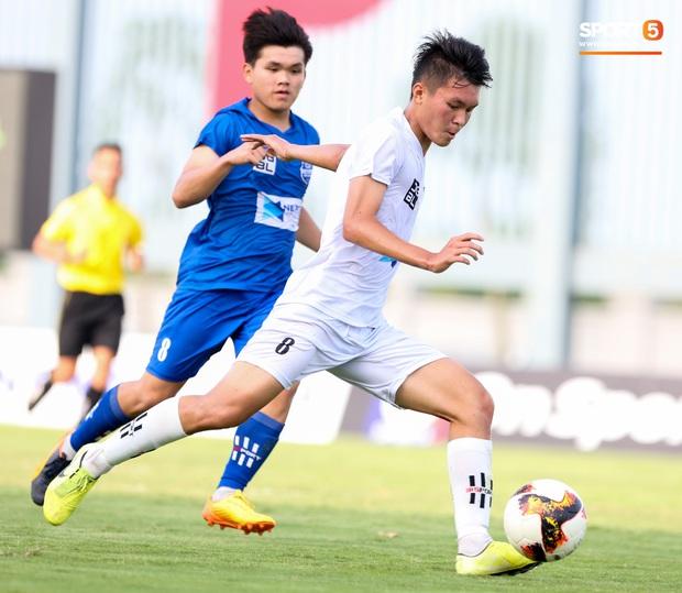 Cầu thủ trẻ Học viện Nutifood-JMG phát triển thể hình rõ rệt sau 5 năm ăn tập với điều kiện tốt nhất - Ảnh 11.