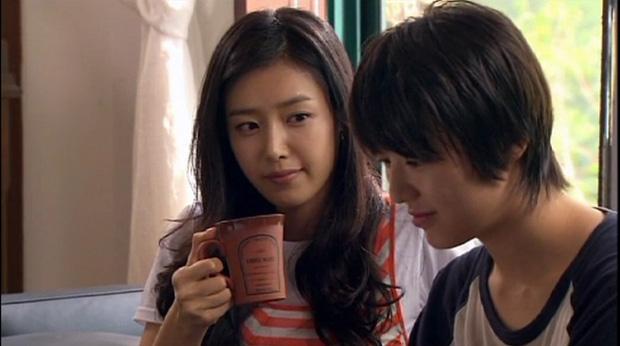 Hoá ra suýt chút siêu phẩm Tiệm Cà Phê Hoàng Tử đã không tồn tại: Gong Yoo chê phim ngớ ngẩn, Chae Jung An chả thèm nhìn kịch bản - Ảnh 4.