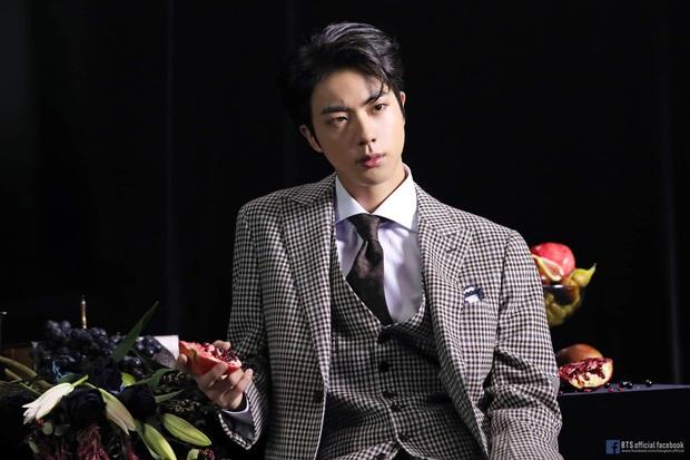 Các chuyên gia tâm lý phân tích và chỉ ra những câu hát đắt giá nhất trong ca khúc 00:00 của BTS - Ảnh 3.