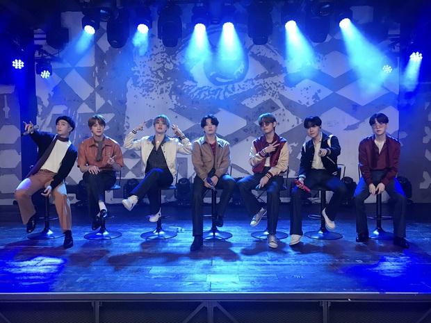 BTS hát live Dynamite như nuốt đĩa ở Bảo tàng Grammy, được Knet khen nức nở vì tiến bộ nhưng vẫn có điểm gây tiếc nuối? - Ảnh 7.