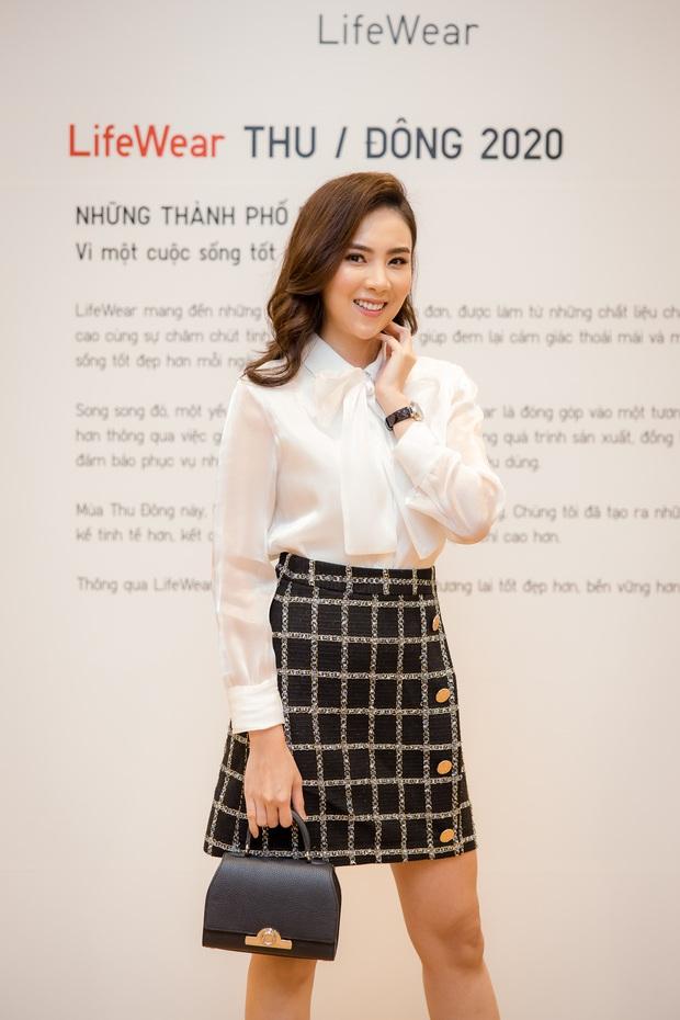 Mẫn Tiên công khai đi cùng bạn trai, Miss Au Ngọc Anh và dàn KOL tụ hội tại buổi ra mắt cửa hàng UNIQLO thứ 2 tại Hà Nội - Ảnh 7.