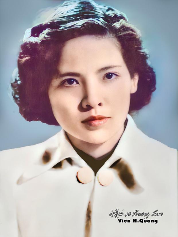 Bức ảnh của hoa khôi trường Dược Hà Nội 1955 được phục chế gây bão, soi ra profile càng nể phục - Ảnh 1.